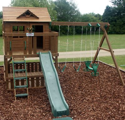 This Yorktown set is a compact set that offers lots of space for older children.